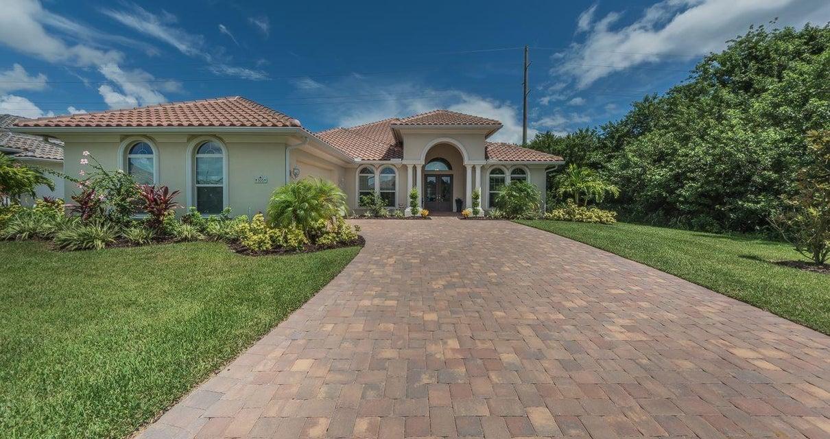 305 Sapphire Way - Vero Beach, Florida
