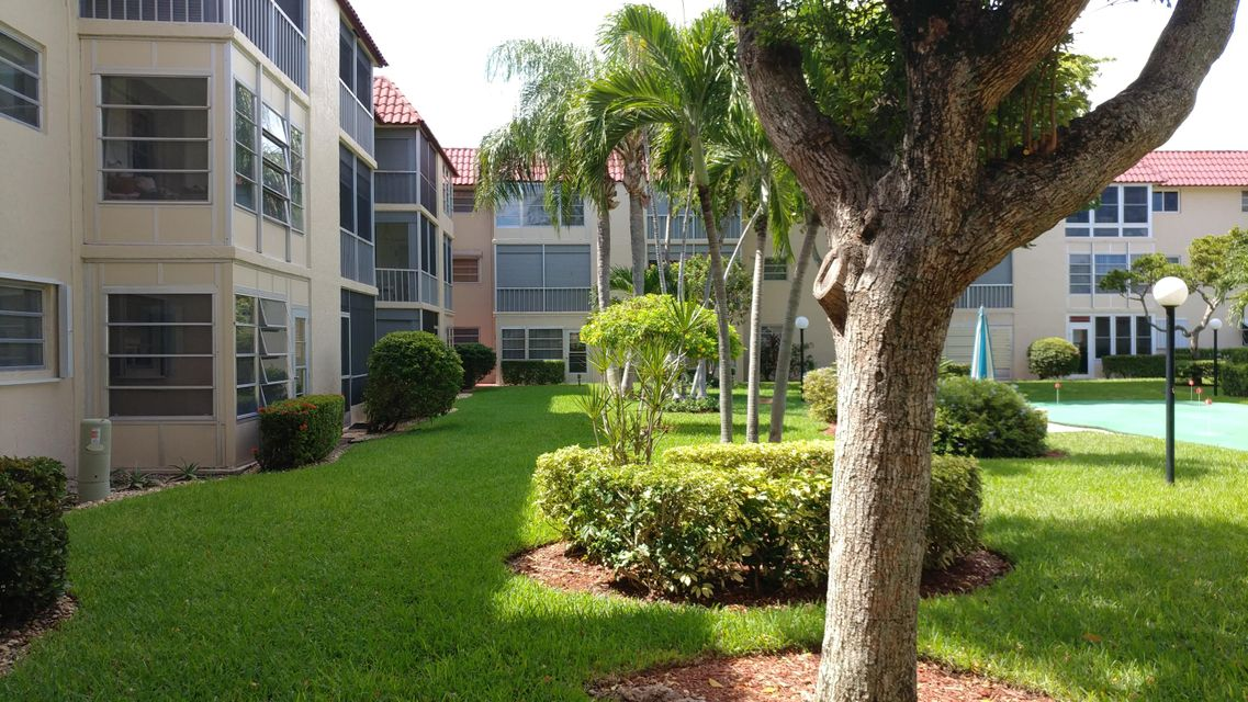 Additional photo for property listing at 750 SE 6 Avenue  Deerfield Beach, Florida 33441 États-Unis