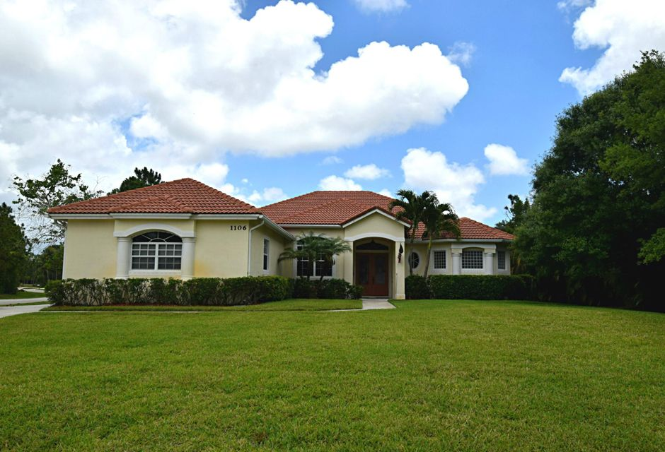 واحد منزل الأسرة للـ Sale في 1106 SW Thoreau Court Palm City, Florida 34990 United States