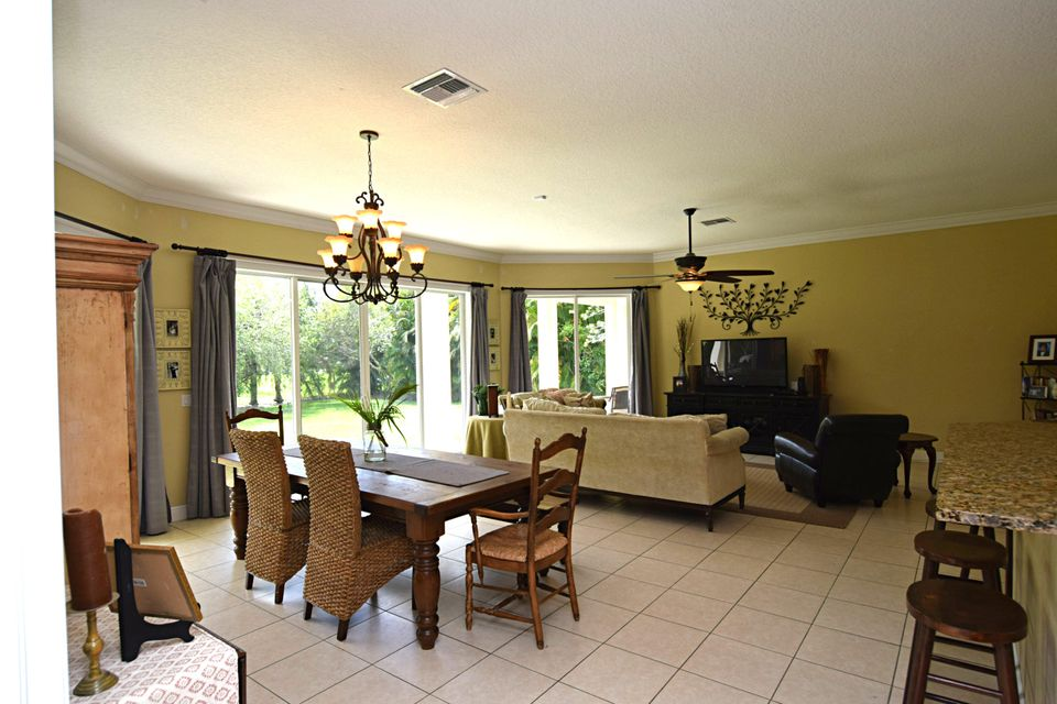 Additional photo for property listing at 1106 SW Thoreau Court 1106 SW Thoreau Court Palm City, Florida 34990 Vereinigte Staaten