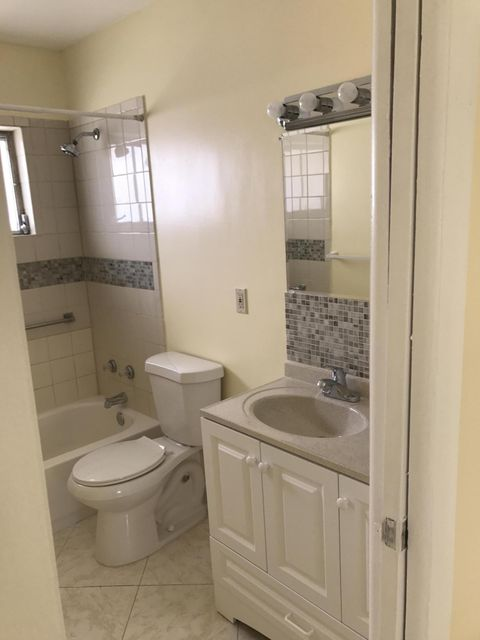 Additional photo for property listing at 2760 Dudley Drive E  West Palm Beach, Florida 33415 Vereinigte Staaten