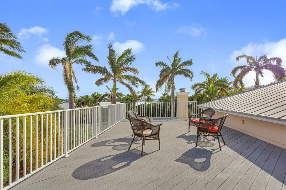 Additional photo for property listing at 337 Inlet Way 337 Inlet Way Palm Beach Shores, Florida 33404 Estados Unidos