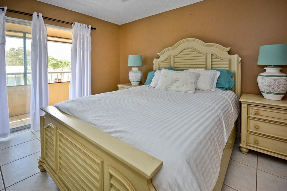 Additional photo for property listing at 1100 Surf Road 1100 Surf Road Singer Island, Florida 33404 United States