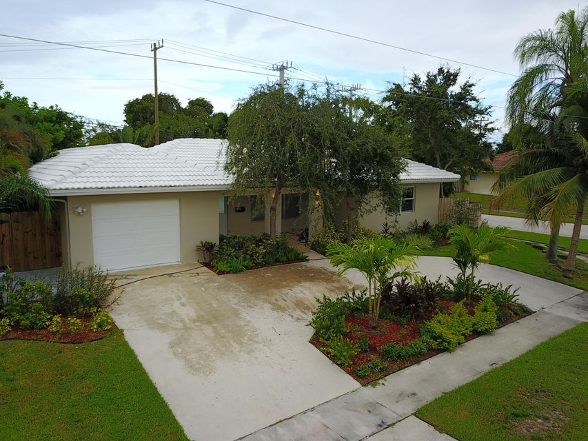 Single Family Home for Sale at 898 SW 12th Terrace 898 SW 12th Terrace Boca Raton, Florida 33486 United States