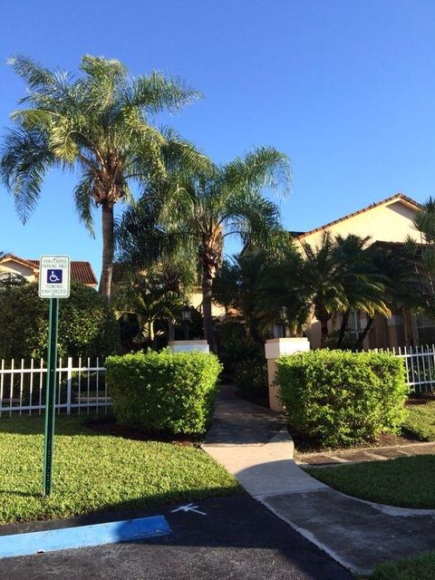 Additional photo for property listing at 8765 SW 215th Terrace 8765 SW 215th Terrace Cutler Bay, 佛罗里达州 33189 美国