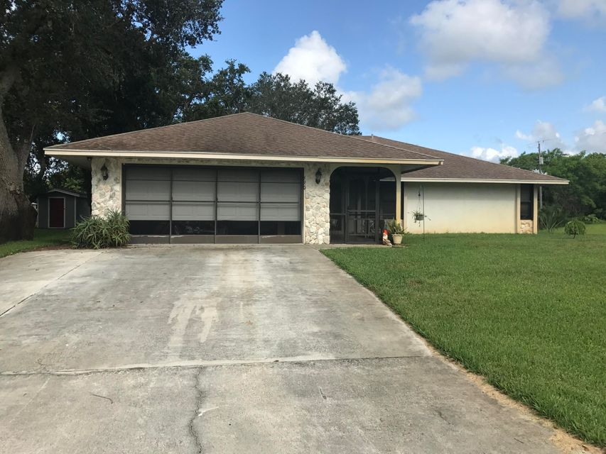 Additional photo for property listing at 690 SW Bacon Terrace 690 SW Bacon Terrace Port St. Lucie, Florida 34953 United States