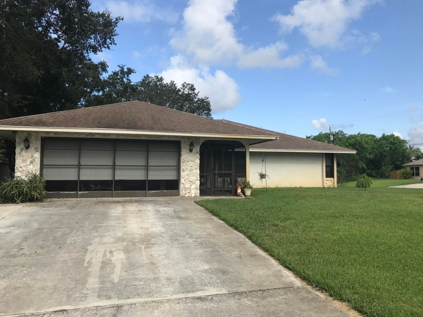 Single Family Home for Sale at 690 SW Bacon Terrace 690 SW Bacon Terrace Port St. Lucie, Florida 34953 United States