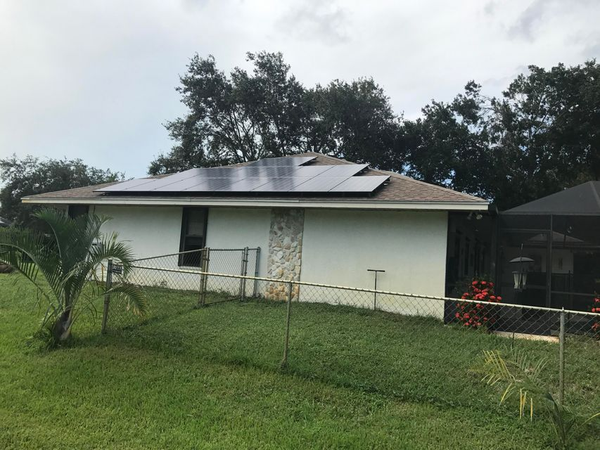 Additional photo for property listing at 690 SW Bacon Terrace  Port St. Lucie, Florida 34953 Estados Unidos