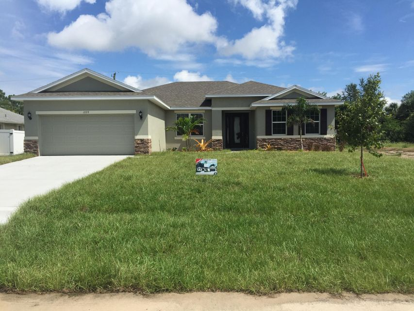 Additional photo for property listing at 1229 SW Ermine Av Avenue  Port St. Lucie, Florida 34953 États-Unis