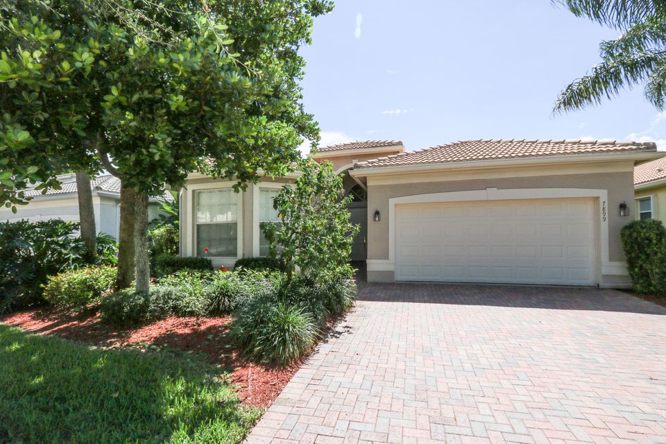 Maison unifamiliale pour l Vente à 7899 Brookside Court 7899 Brookside Court Lake Worth, Florida 33467 États-Unis