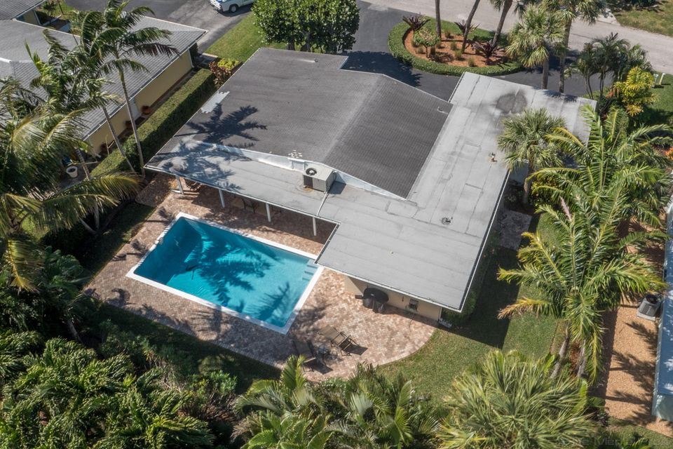 Additional photo for property listing at 114 Lighthouse Drive 114 Lighthouse Drive Jupiter, Florida 33469 United States