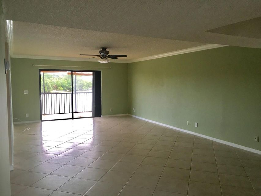 Additional photo for property listing at 711 Hummingbird Way 711 Hummingbird Way North Palm Beach, Florida 33408 États-Unis