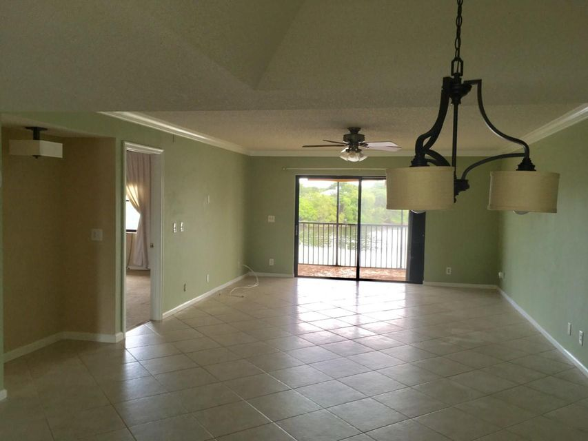 Additional photo for property listing at 711 Hummingbird Way 711 Hummingbird Way North Palm Beach, Florida 33408 Estados Unidos