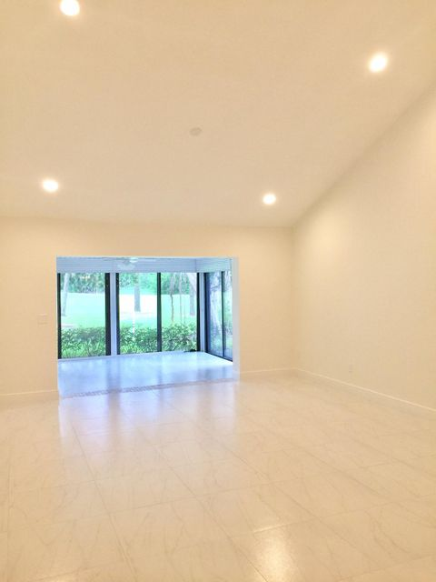 Additional photo for property listing at 7994 Eastlake Drive  Boca Raton, Florida 33433 Vereinigte Staaten
