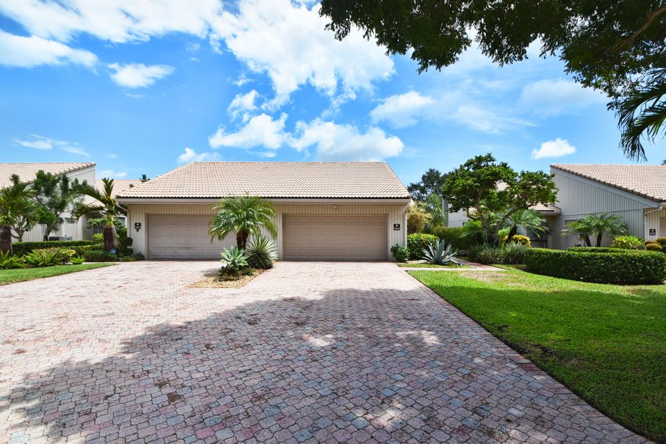 Villa for Sale at 19980 Sawgrass Lane 19980 Sawgrass Lane Boca Raton, Florida 33434 United States