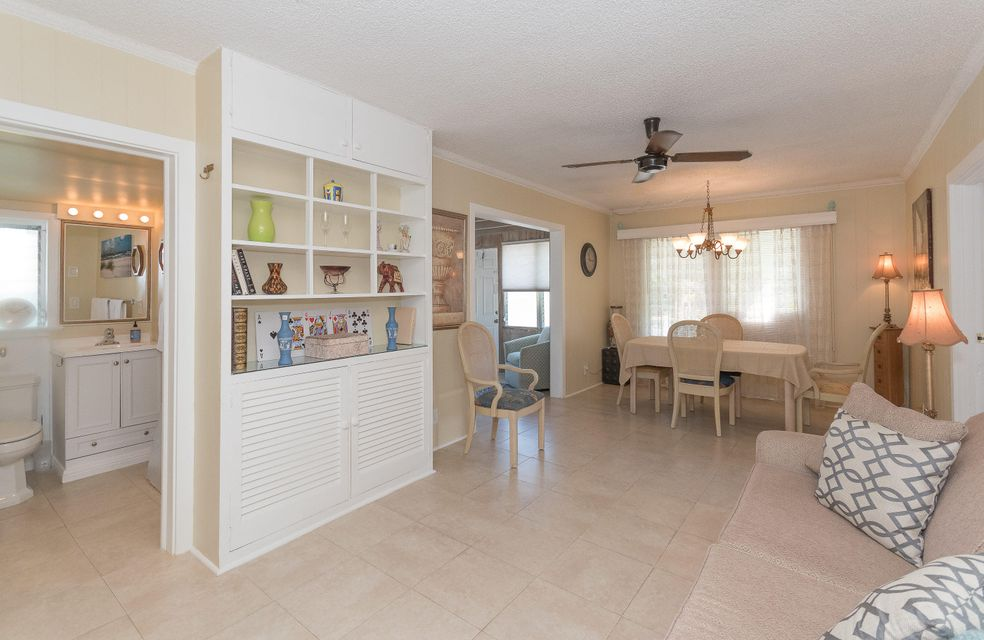 Additional photo for property listing at 826 SE 4th Avenue 826 SE 4th Avenue Delray Beach, Florida 33483 United States