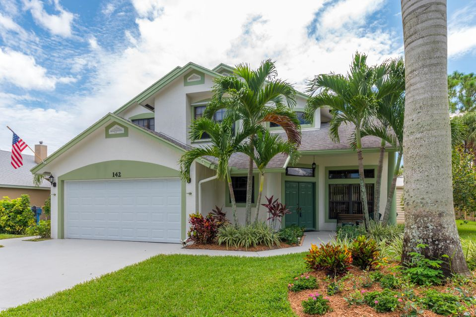142 Park Road  Royal Palm Beach, FL 33411
