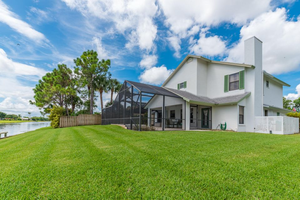 142 Park Road Royal Palm Beach, FL 33411 photo 4