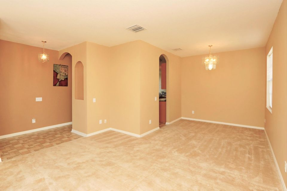 Additional photo for property listing at 9253 Black Thorn Loop  Land O' Lakes, Florida 34638 United States