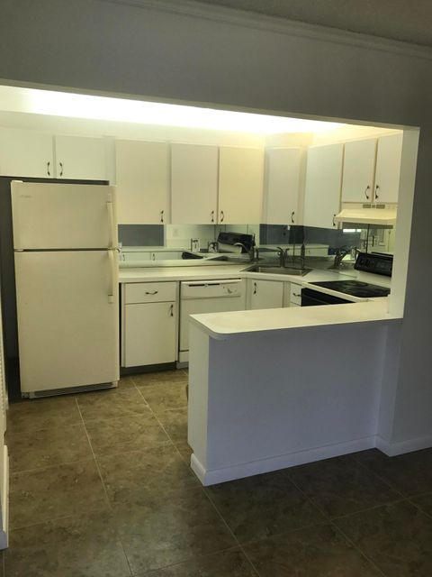 Additional photo for property listing at 3531 Tall Pine Way 3531 Tall Pine Way Greenacres, 佛罗里达州 33463 美国