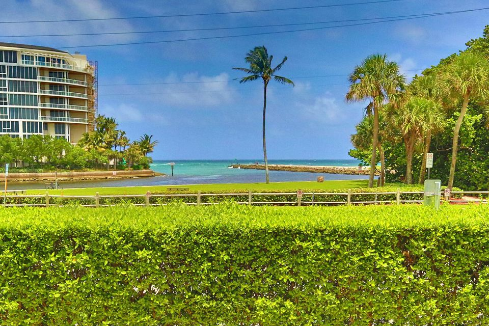 Additional photo for property listing at 1099 S Ocean Blvd Boulevard E 1099 S Ocean Blvd Boulevard E Boca Raton, Florida 33432 United States