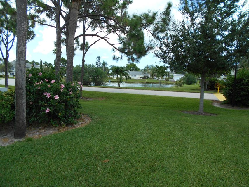 Additional photo for property listing at 1524 SE Royal Green Circle 1524 SE Royal Green Circle Port St. Lucie, Florida 34952 Estados Unidos