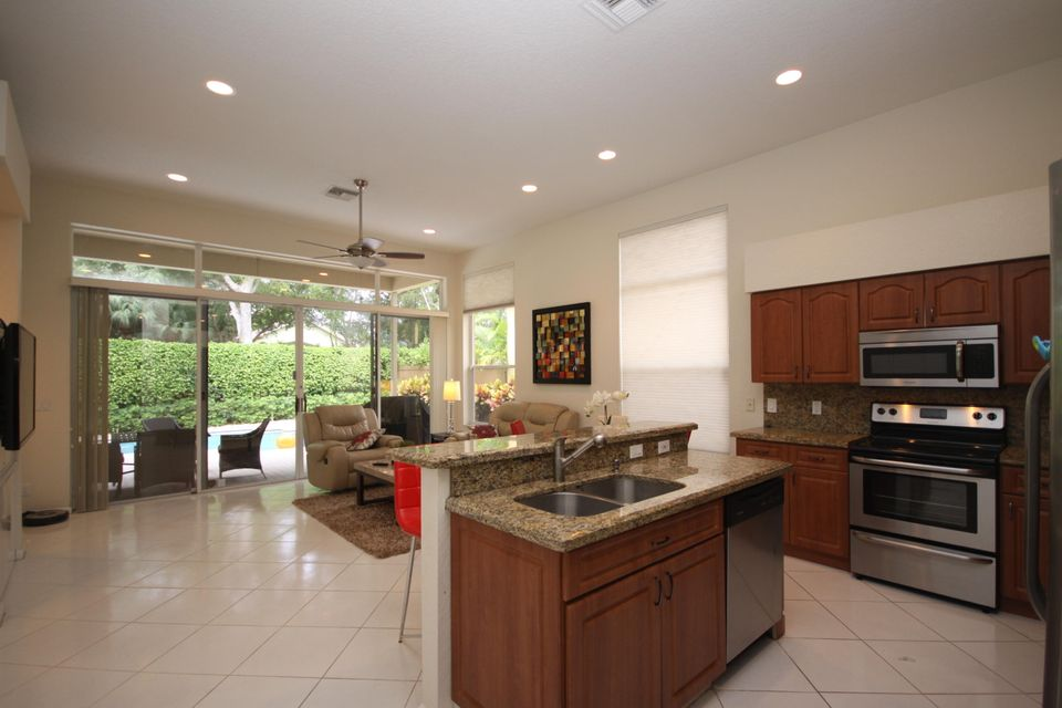 Additional photo for property listing at 6636 NW 23rd Terrace 6636 NW 23rd Terrace Boca Raton, Florida 33496 États-Unis
