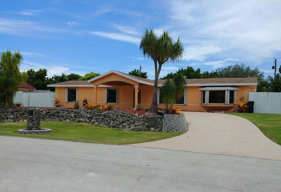 Single Family Home for Sale at 8710 SW 186th Street Cutler Bay, Florida 33157 United States