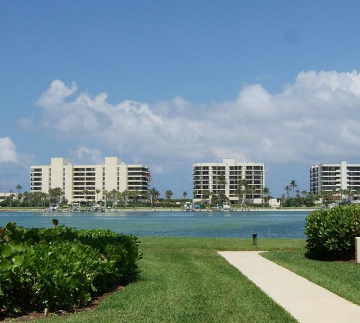 Konsum / Eigentumswohnung für Verkauf beim 19800 Sandpointe Bay Drive 19800 Sandpointe Bay Drive Tequesta, Florida 33469 Vereinigte Staaten