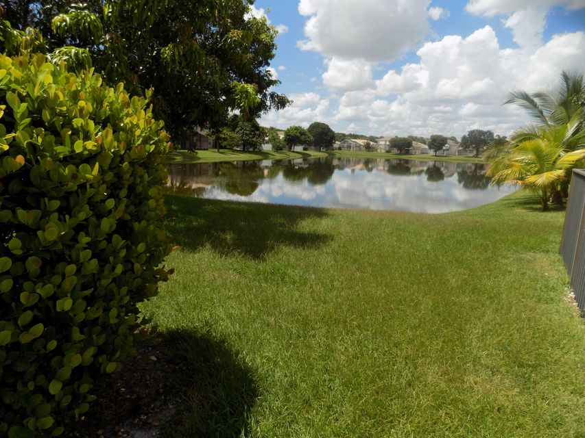 Additional photo for property listing at 7695 Rockport Circle  Lake Worth, Florida 33467 États-Unis