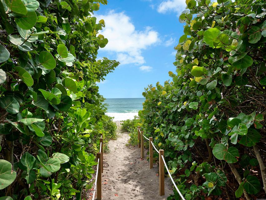 Additional photo for property listing at 840 Ocean Drive 840 Ocean Drive Juno Beach, Florida 33408 United States
