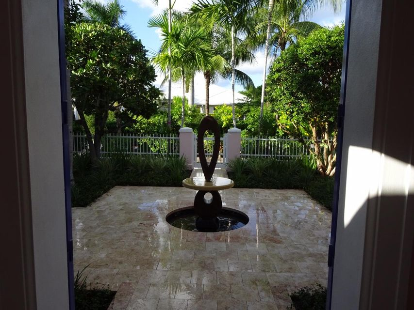 Additional photo for property listing at 254 Tradewind Drive 254 Tradewind Drive Palm Beach, Florida 33480 Estados Unidos