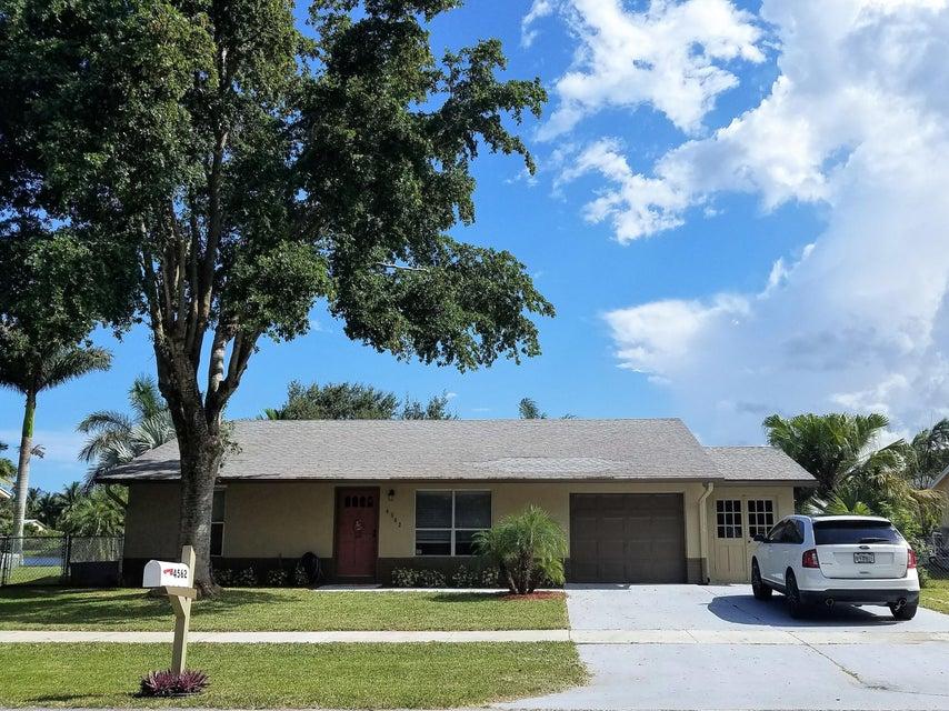 独户住宅 为 销售 在 4562 Vespasian Court 4562 Vespasian Court Lake Worth, Florida 33463 United States