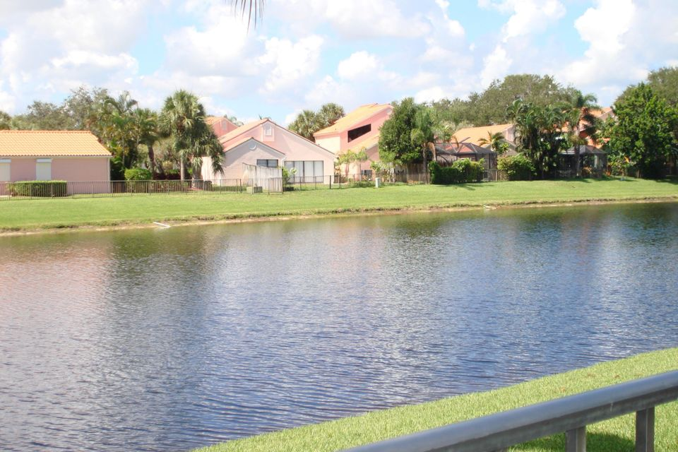 13274  St Tropez Circle , Palm Beach Gardens FL 33410 is listed for sale as MLS Listing RX-10351080 photo #26