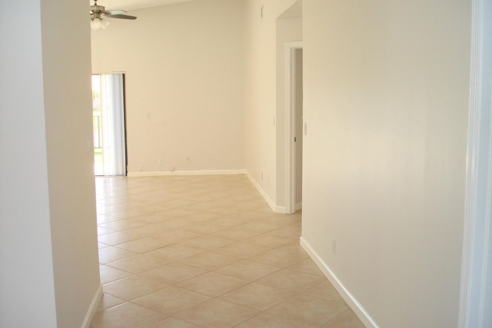 13274  St Tropez Circle , Palm Beach Gardens FL 33410 is listed for sale as MLS Listing RX-10351080 photo #17