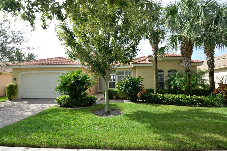 VALENCIA PALMS home 9697 Baywood Park Lane Delray Beach FL 33446