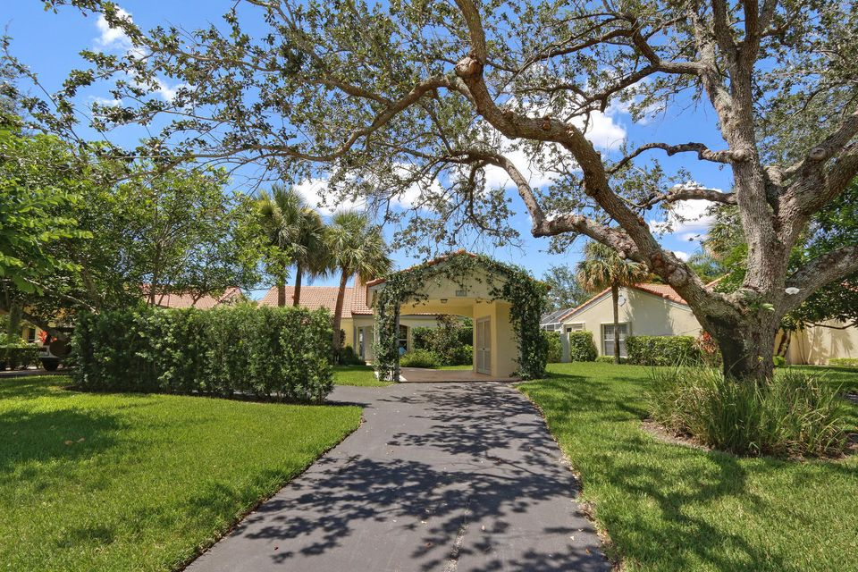 Villa for Sale at 2291 Las Casitas Drive 2291 Las Casitas Drive Wellington, Florida 33414 United States