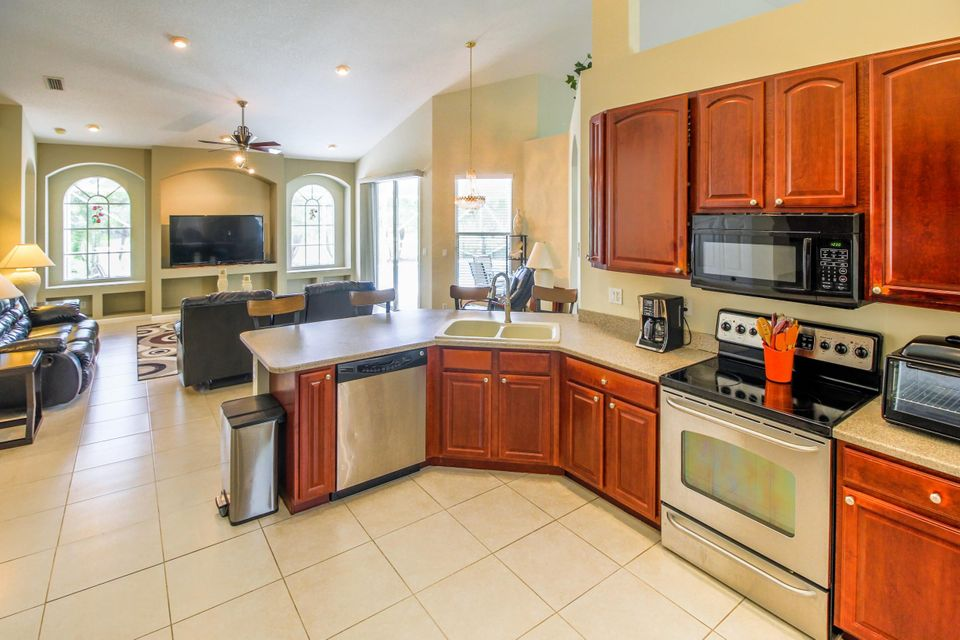 Additional photo for property listing at 376 SW Egret Landing(s) 376 SW Egret Landing(s) Port St. Lucie, Florida 34953 Vereinigte Staaten