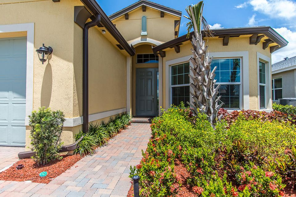 Additional photo for property listing at 11405 SW Lake Park Drive 11405 SW Lake Park Drive Port St. Lucie, Florida 34987 Vereinigte Staaten