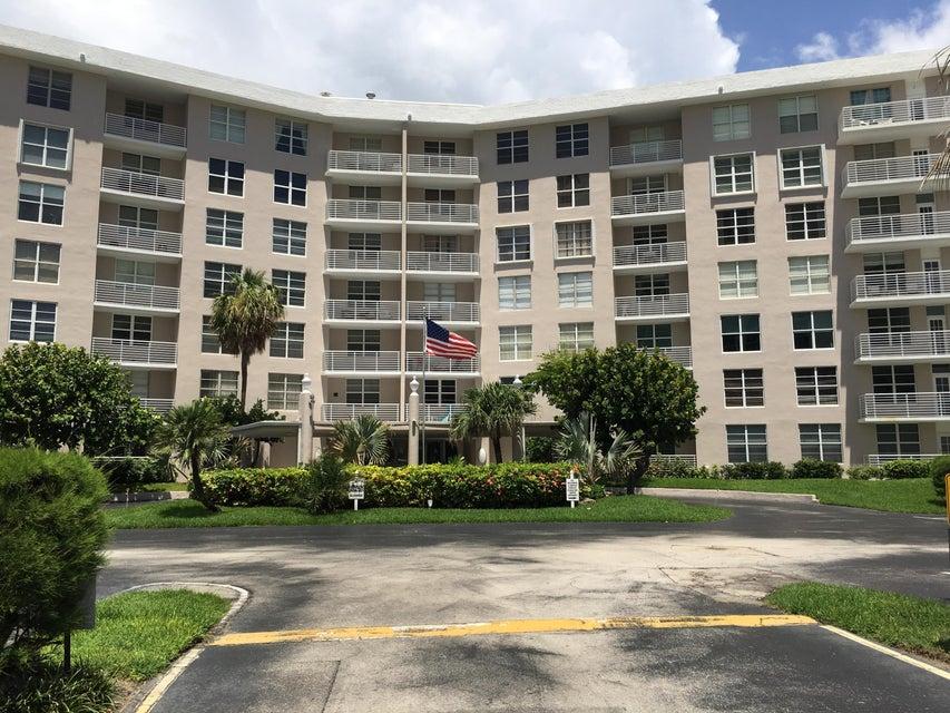 Konsum / Eigentumswohnung für Verkauf beim 2851 S Ocean Boulevard 2851 S Ocean Boulevard Boca Raton, Florida 33432 Vereinigte Staaten