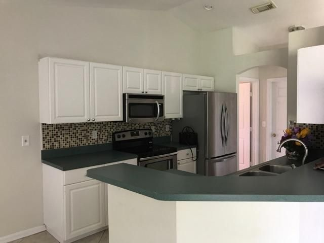 Additional photo for property listing at 5755 NW Belwood Circle  Port St. Lucie, Florida 34986 Estados Unidos
