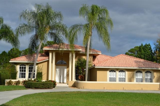 出租 为 出租 在 8023 Plantation Lakes Drive 8023 Plantation Lakes Drive 圣露西港, 佛罗里达州 34986 美国