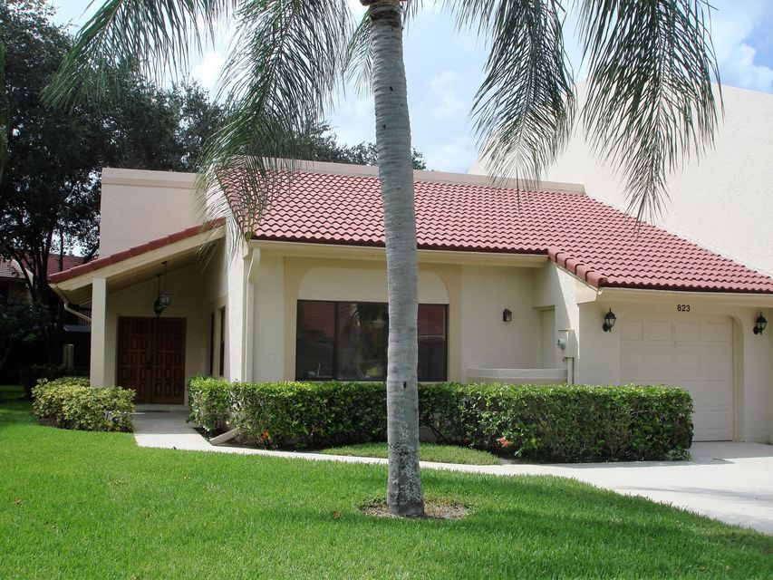 Villa for Sale at 823 Windermere Way 823 Windermere Way Palm Beach Gardens, Florida 33418 United States