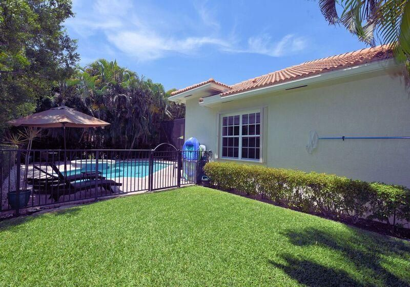Additional photo for property listing at 144 Via Veracruz  Jupiter, Florida 33458 United States