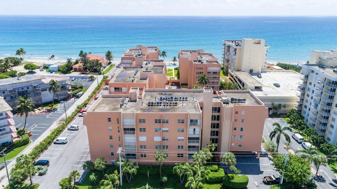 Additional photo for property listing at 3520 S Ocean Boulevard  South Palm Beach, Florida 33480 Estados Unidos