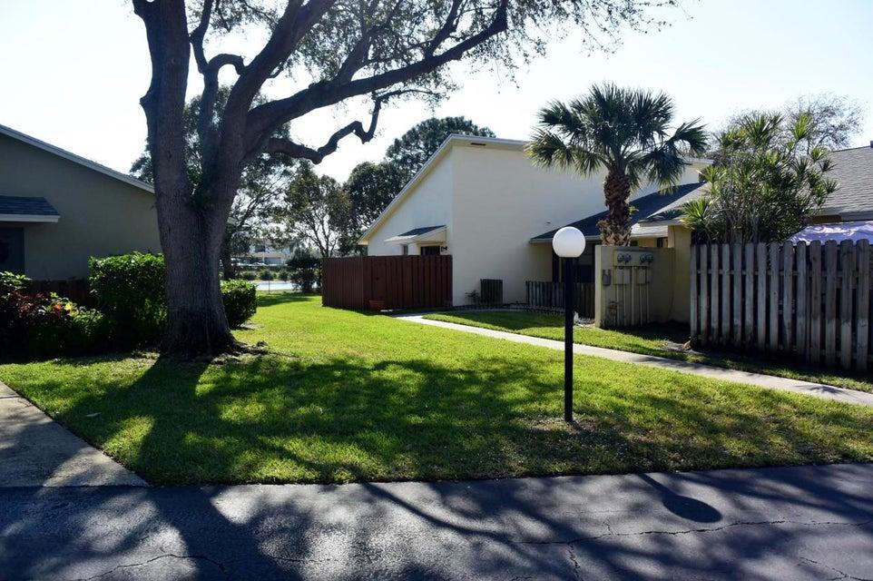 Villa pour l Vente à 431 Jupiter Lakes Boulevard 431 Jupiter Lakes Boulevard Jupiter, Florida 33458 États-Unis