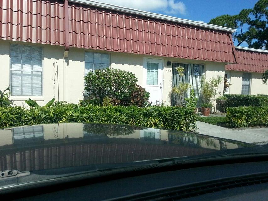 694 Marlboro Oval  Lake Worth FL 33467