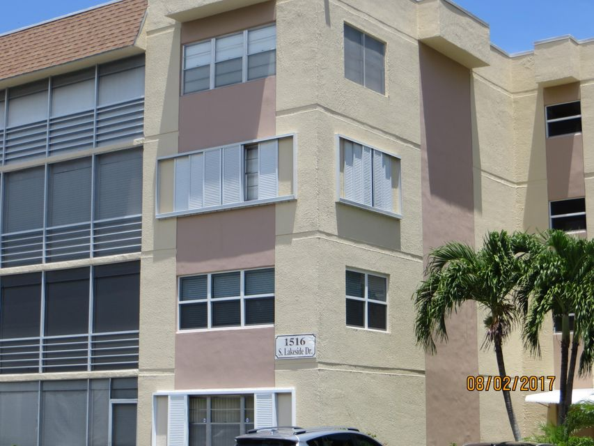 Co-op / Condo for Rent at 1516 S Lakeside Drive 1516 S Lakeside Drive Lake Worth, Florida 33460 United States