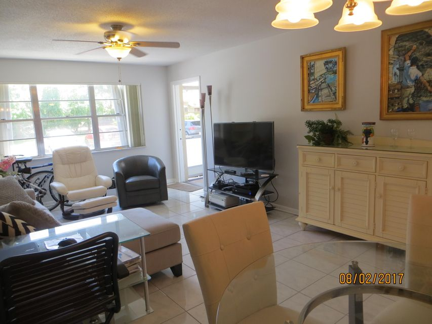 Additional photo for property listing at 1516 S Lakeside Drive 1516 S Lakeside Drive Lake Worth, Florida 33460 United States