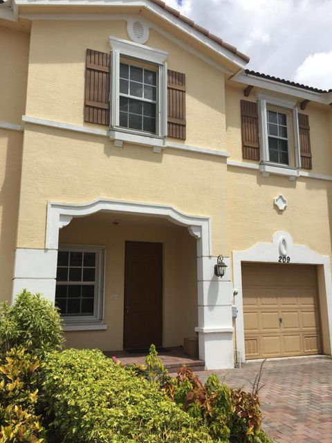 Townhouse for Sale at 209 SW Otter Run Place Stuart, Florida 34997 United States